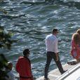 Beyonce et son mari Jay-Z se promènent à bord d'une voiture vintage cabriolet rouge lors de leurs vacances à Lake Como en Italie le 7 juillet 2018