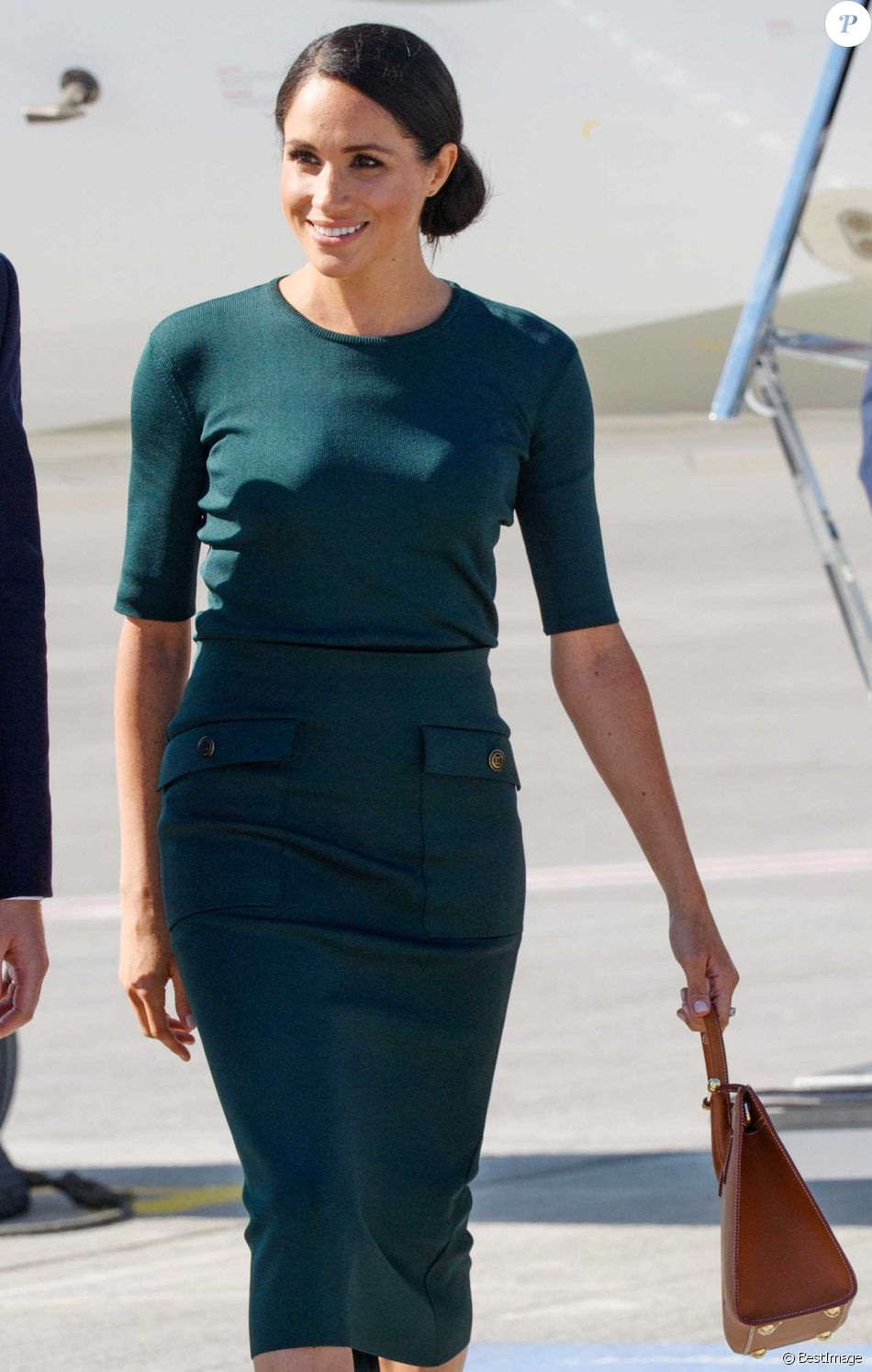 Le prince Harry, duc de Sussex et sa femme Meghan Markle, duchesse de Sussex arrivent à l'aéroport de Dublin, le 10 juillet 2018.