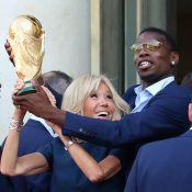 Brigitte Macron : Chic pour accueillir les Bleus, la Coupe du monde en main