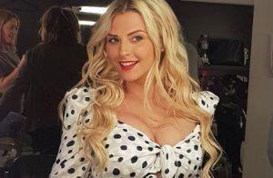 Kelly Vedovelli sexy en vacances : Sa tenue affole les internautes