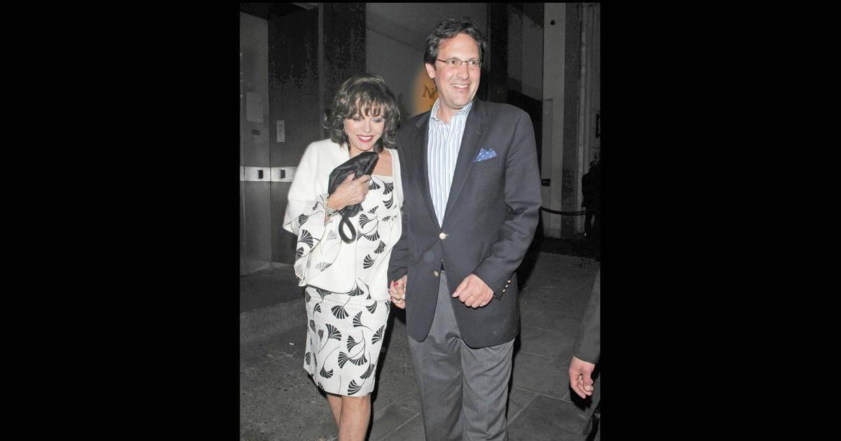L 39 actrice anglaise joan collins et son mari percy gibson la sortie du r - Quartier chic de londres ...