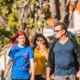 Exclusif - Charlie Sheen à la sortie d'un salon de beauté avec sa fille Sam et une des ses amies à Calabasas, le 25 juin 2018