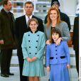 Le prince Andrew et Sarah Ferguson, duchesse d'York, avec leurs filles la princesse Beatrice et la princesse Eugenie d'York en mai 2002.