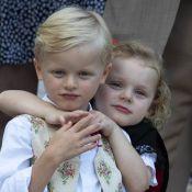 Gabriella et Jacques de Monaco : Câlins et trop mignons devant leurs parents