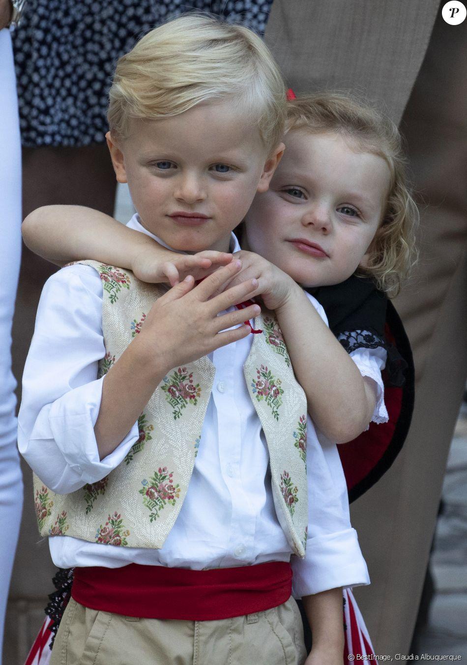 Alberto II y Charlene, Príncipes de Mónaco - Página 11 4280060-le-prince-jacques-de-monaco-et-la-prince-950x0-2
