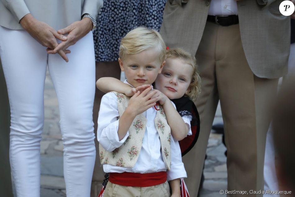 Alberto II y Charlene, Príncipes de Mónaco - Página 11 4280063-le-prince-jacques-de-monaco-et-la-prince-950x0-2