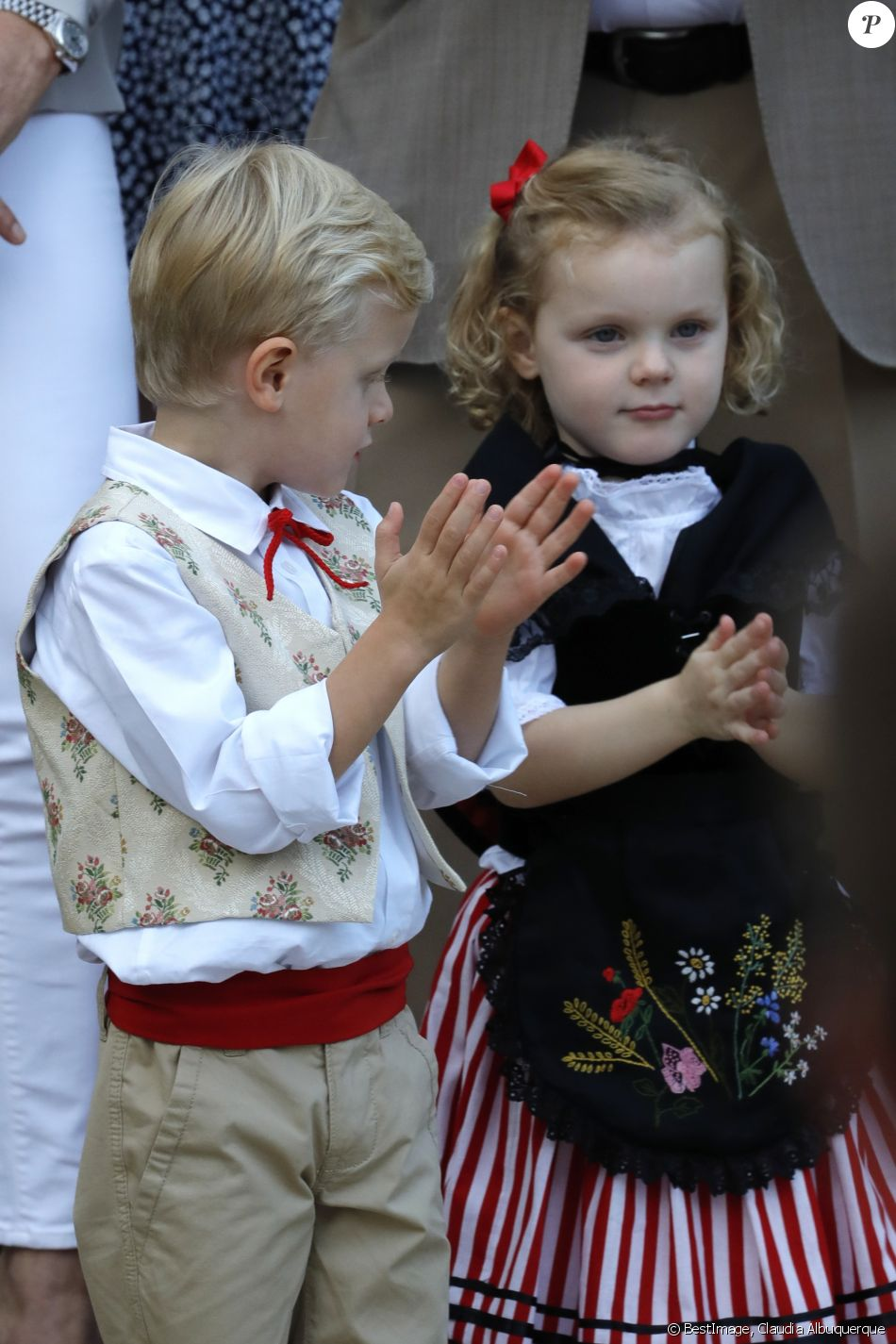 Alberto II y Charlene, Príncipes de Mónaco - Página 11 4280066-le-prince-jacques-de-monaco-et-la-prince-950x0-2