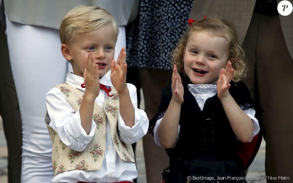 Alberto II y Charlene, Príncipes de Mónaco - Página 11 4280186-le-prince-jacques-de-monaco-et-la-prince-950x0-2