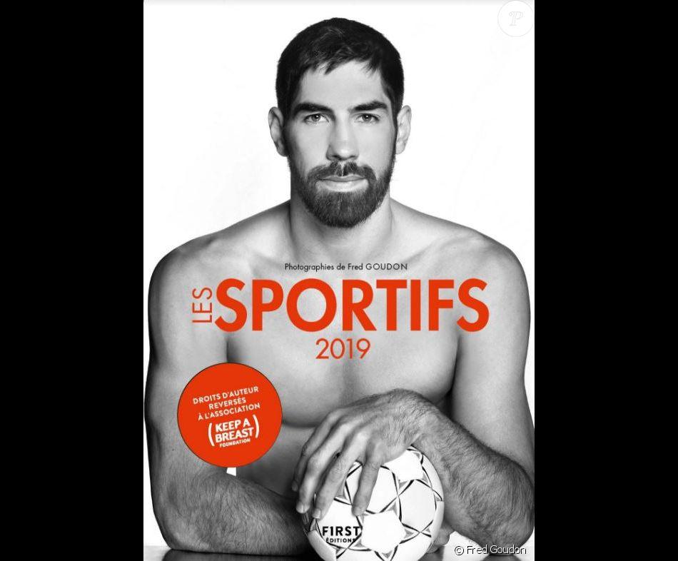 """Nikola Karabatic en couverture du calendrier """"Les sportifs 2019"""" réalisé par Fred Goudon et publié aux éditions First le 6 septembre 2018."""