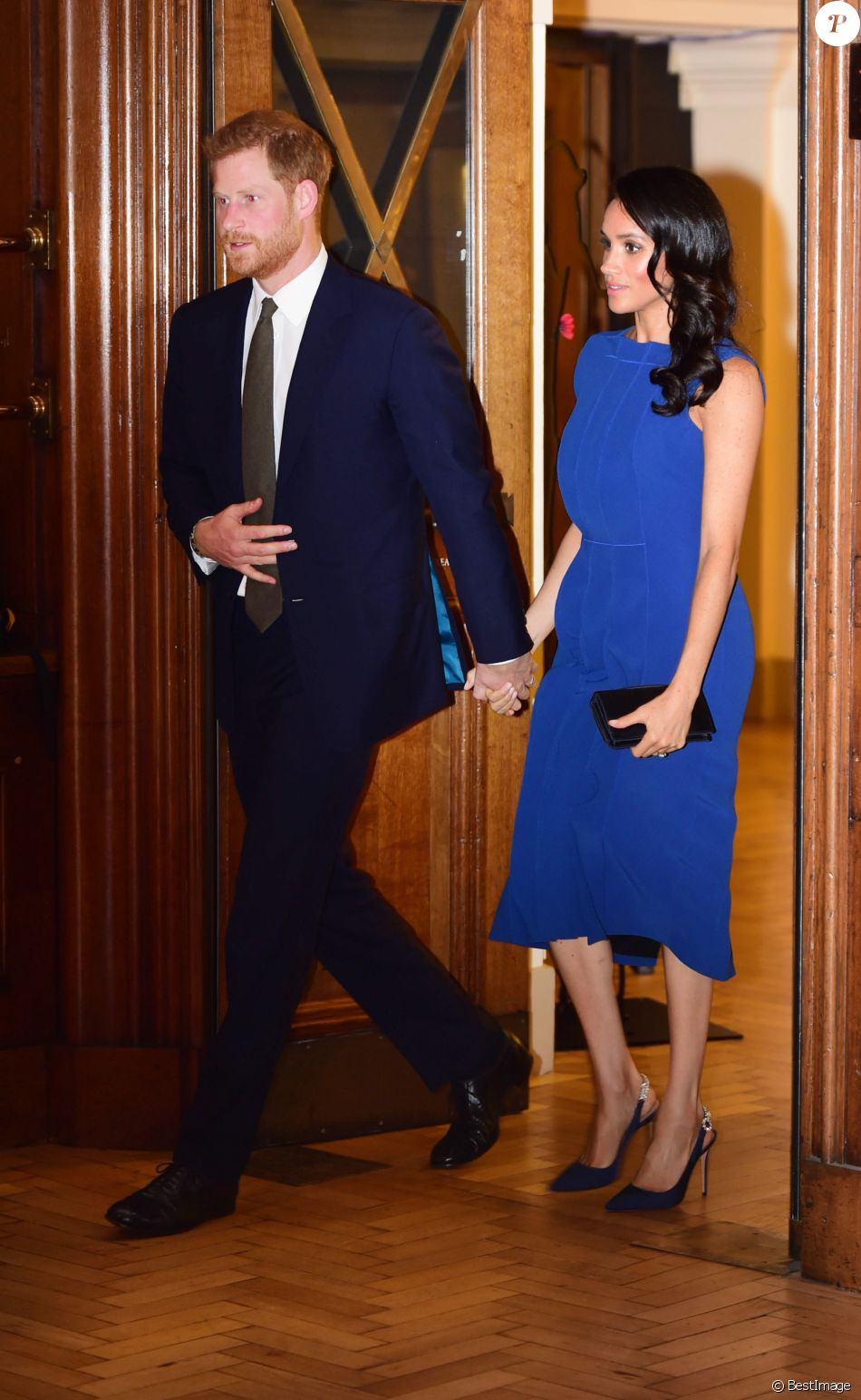 Le prince Harry et Meghan Markle (robe Jason Wu), duc et duchesse de Sussex, à leur arrivée pour le gala de charité The Royal Armouries' 100 Days to Peace au Central Hall Westminster à Londres le 6 septembre 2018, une soirée musicale commémorant le centenaire des cent derniers jours de la Première Guerre mondiale.