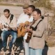 Chico & the Gypsies dans le clip Une autre histoire, reprise extraite de l'album Color 80's Vol.2 (sortie : le 26 août 2016). De gauche à droite : Joseph, Canut Reyes, Chico, Mounin, Kassaka, Kema, Rey, Babato et Tane.