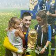 Hugo Lloris avec ses filles Anne-Rose et Giuliana - Finale de la Coupe du Monde de Football 2018 en Russie à Moscou, opposant la France à la Croatie (4-2) le 15 juillet 2018 © Moreau-Perusseau / Bestimage