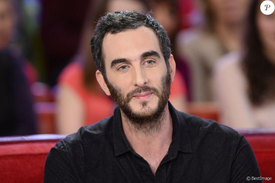 """Matthieu Noël - Enregistrement de l'émission """"Vivement Dimanche"""" à Paris, le 17 décembre 2014. L'émission sera diffusée le 21 décembre 2014."""