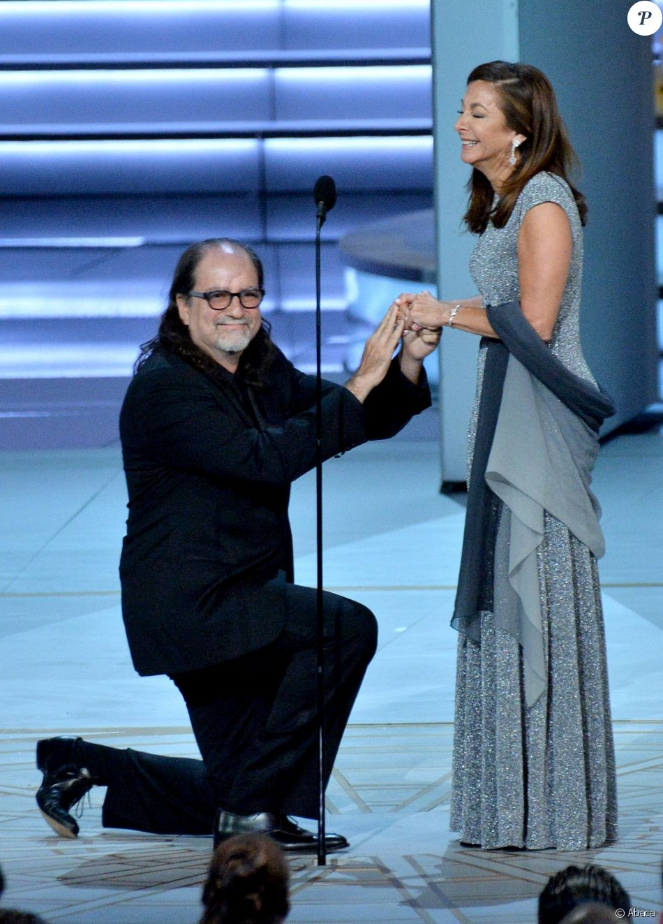 Glenn Weiss, récompensé, a demandé sa compagne Jan Svendsen en mariage lors de la 70e cérémonie des Emmy Awards au Microsoft Theater de Los Angeles, le 17 septembre 2018