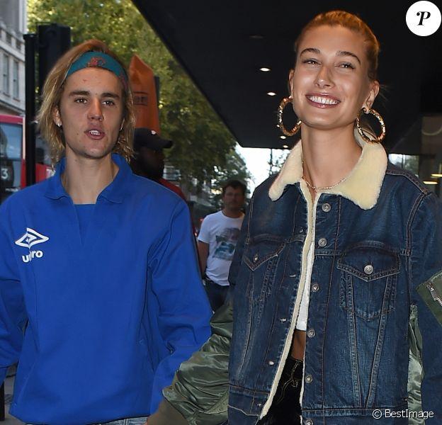 Justin Bieber et Hailey Baldwin se promènent à Londres le 17 septembre 2018.