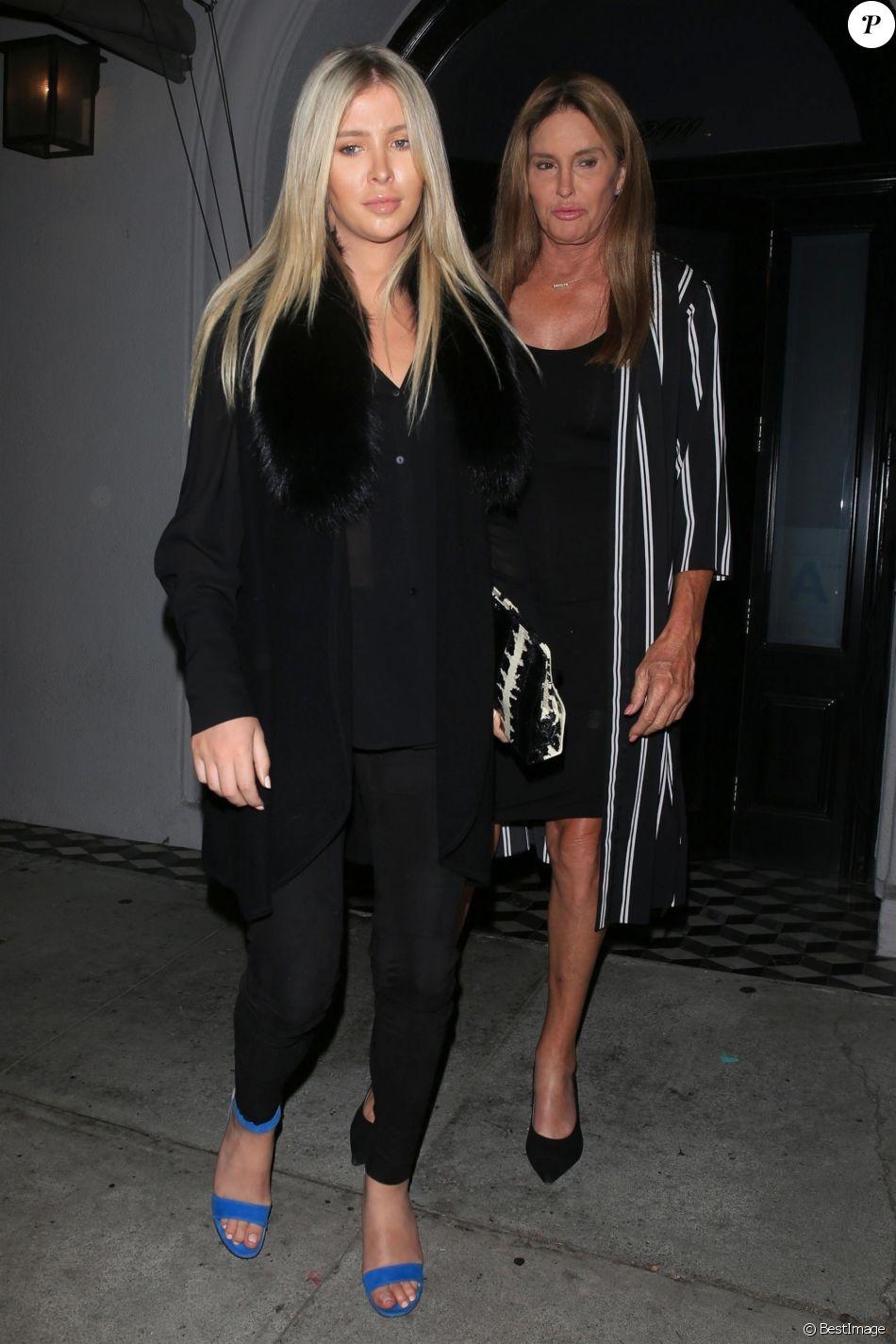 Caitlyn Jenner et sa fiancée Sophia Hutchins sont allées dîner au restaurant Craig's à Hollywood, le 23 aout 2018.