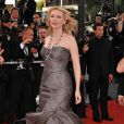 Robe grise Giorgio Armani pour l'actrice Cate Blanchett ! Festival de Cannes 2008