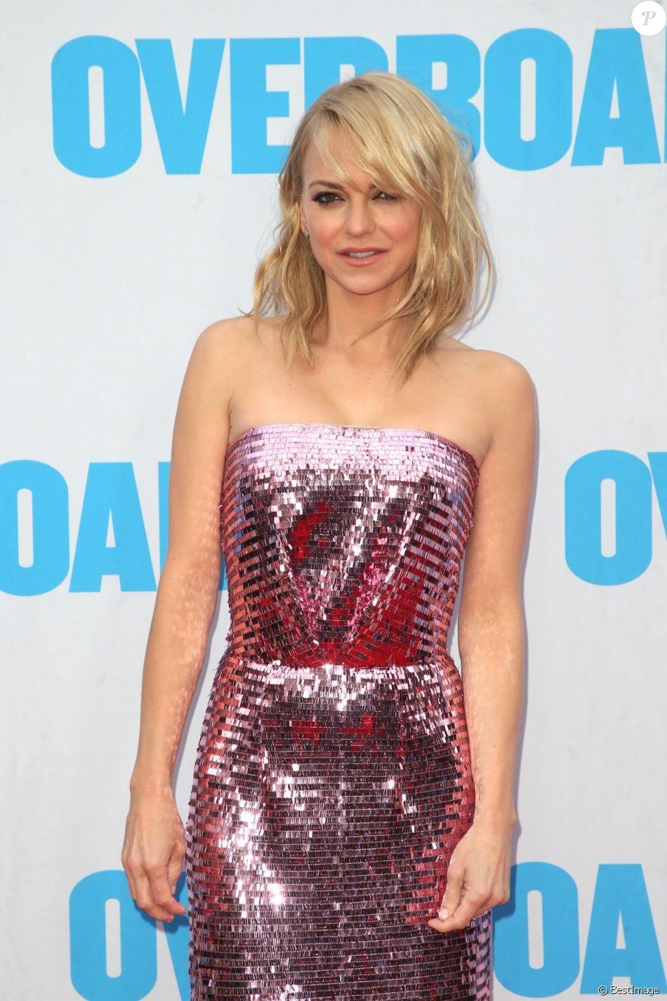 Anna Faris - Les célébrités posent lors de la première du film 'Overboard' à Westwood le 30 avril 2018.