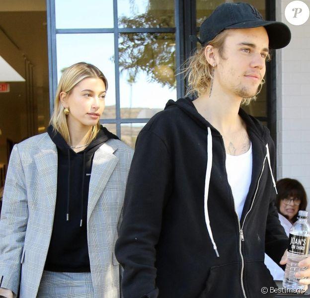 Justin Bieber et sa femme Hailey Baldwin sortent d'un déjeuner à Studio City le 16 octobre 2018.