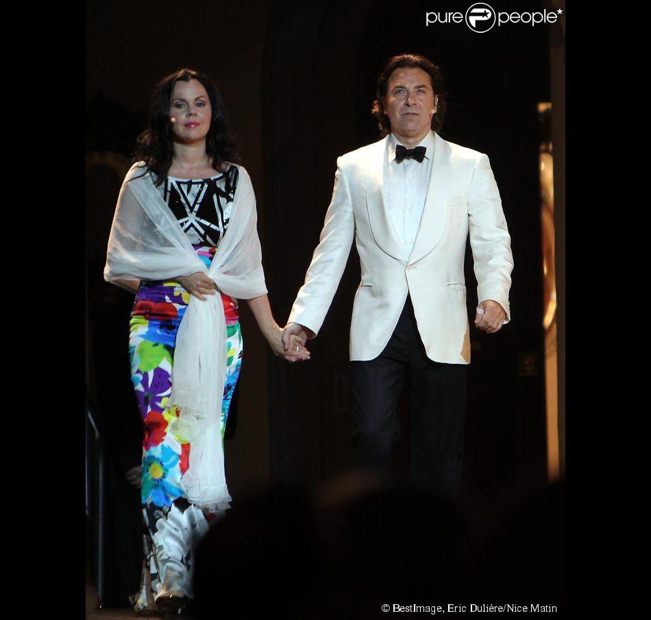 Exclusif , Roberto Alagna et sa compagne la soprano polonaise Aleksandra  Kurzak main dans la main