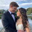 L'acteur américain Chris Carmack s'est marié le 20 octobre 2018 à sa compagne Erin Slaver.