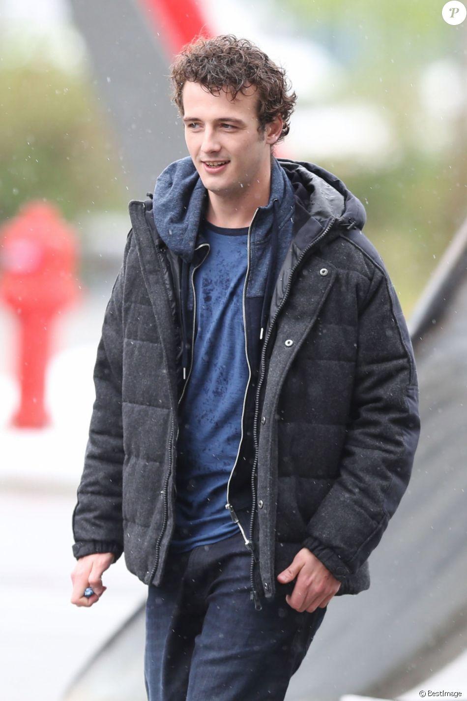 """Exclusif -MicheálRichardson(fils de Liam Neeson) sur le tournage d'une scène du film """"Hard Powder"""" à Vancouver, Canada, le 2 mai 2017."""
