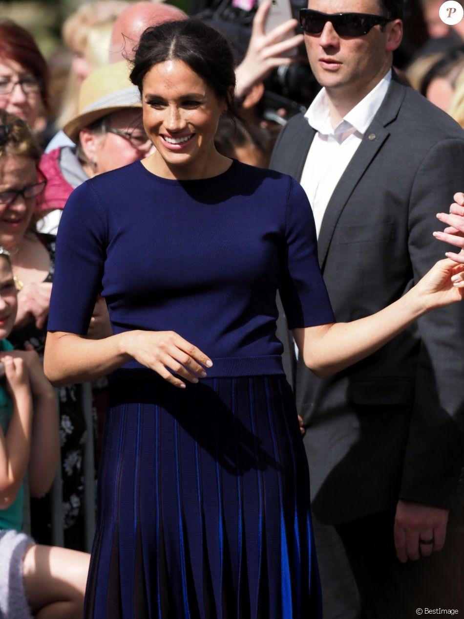 Meghan Markle, duchesse de Sussex (enceinte) lors d'un bain de foule à Rotorua, Nouvelle Zélande le 31 octobre 2018.