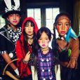 Laeticia Hallyday a fêté Halloween avec ses filles Jade et Joy, à Los Angeles. Octobre 2016. Les demoiselles ont participé à une parade à leur école.