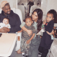 Kanye West, Kim Kardashian et leurs trois enfants Chicago, Saint et North (avril 2018).