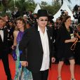Marc Veyrat monte les marches du Palais des festivals