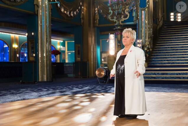 """Exclusif - Mimie Mathy lors de l'enregistrement de l'émission """"La télé chante pour le Sidaction"""" aux Folies Bergère à Paris. L'émission sera diffusée sur France 2 le 28 mars 2015."""