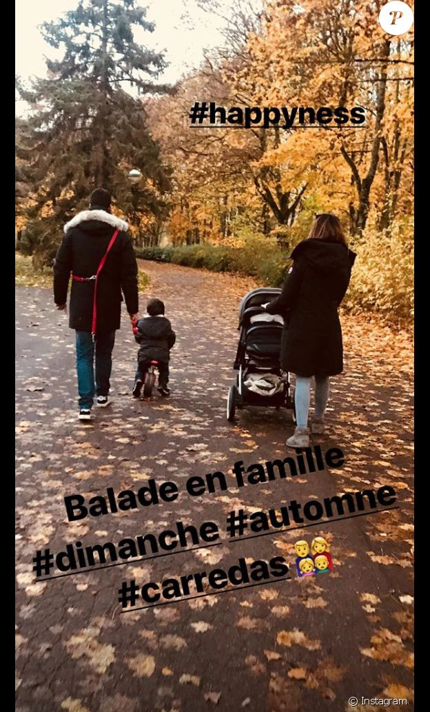 Karine Ferri pose avec sa petite famille. Le 11 novembre 2018.