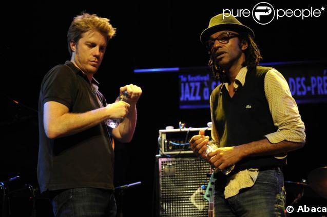 Kyle Eastwood en concert à la Maison des Cultures du Monde, à Paris, le 13 mai 2009, avec Manu Katché
