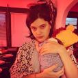 Soko et son bébé pendant Thanksgiving le 23 novembre 2018.
