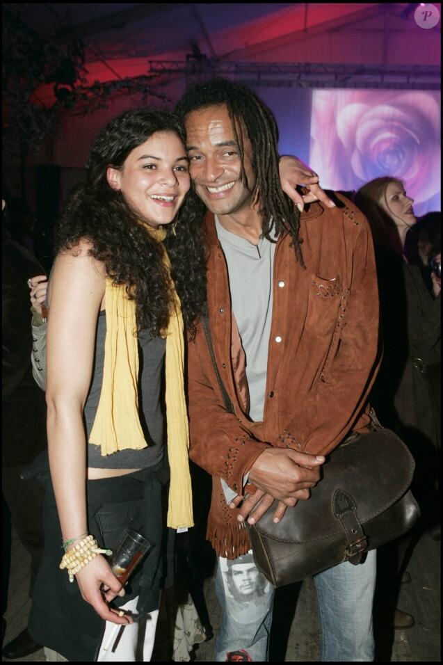 """Yelena Noah et son papa Yannick - Générale du spectacle """"Saltimbanco"""" du Cirque du soleil à Boulogne-Billancourt, le 7 mai 2005."""