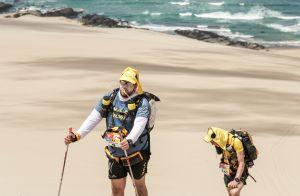 Patrick Poivre d'Arvor et son fils, coureurs de choc dans le désert d'Ica