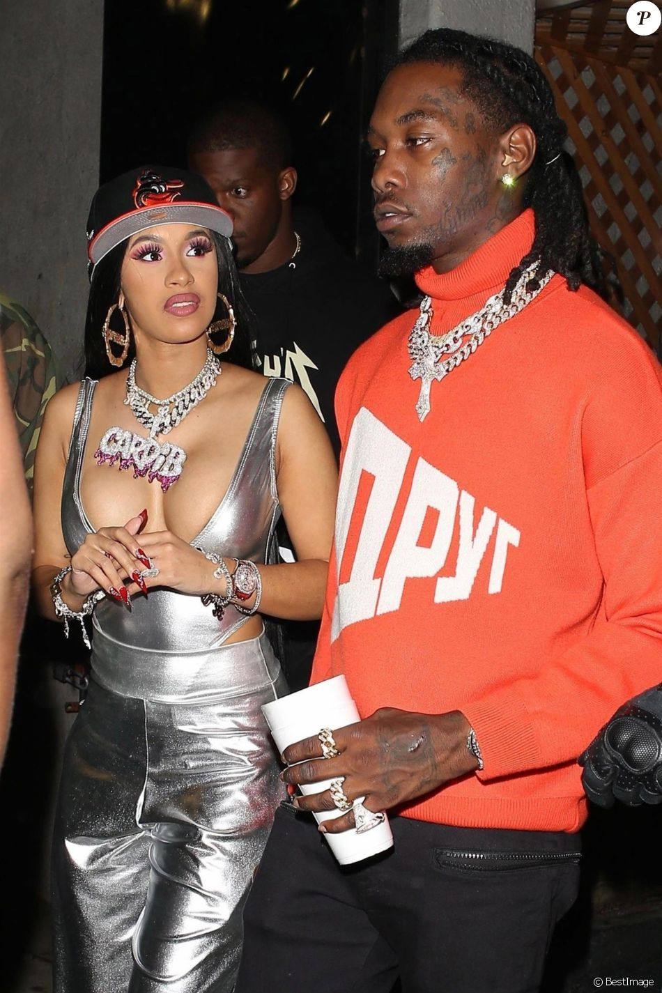 Cardi B et son compagnon Offset sont allés faire la fête au Argyle night club après le concert de Drake au Staple Center à Los Angeles, le 14 octobre 2018  Cardi B and Offset continue her birthday celebrations at the Argyle night club after Drake's concert at the Staple Center. Cardi rocks some serious bling with her name on her necklace and flaunted her curves in a silver low cut top. 14th october 201814/10/2018 - Los Angeles