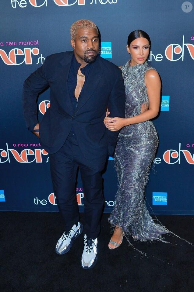 """Kim Kardashian et son mari Kanye West ont assisté à la première représentation du spectacle """"The Cher Show"""" à Broadway. New York, le 3 décembre 2018."""