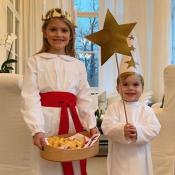"""Estelle et Oscar de Suède : Frère et soeur """"illuminés"""" pour la Sainte-Lucie !"""