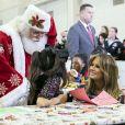 La première dame des Etats-Unis Melania Trump s'est rendue sur la base aérienne Andrews Air Force à Washington, pour participer au programme Toys for Tots, programme qui distribue des jouets aux enfants dont les parents ne peuvent pas se permettre d'acheter des cadeaux pour Noël. Le 11 décembre 2018.