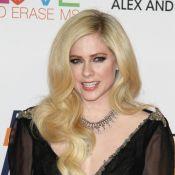 Avril Lavigne nue pour son grand retour