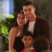 Cristiano Ronaldo souriant pour Noël avec ses quatre enfants, Georgina fermée