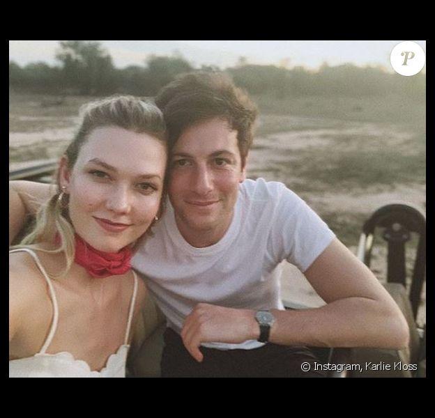 Karlie Kloss et son mari Joshua Kushner sont en lune de miel en Afrique du Sud. Décembre 2018.