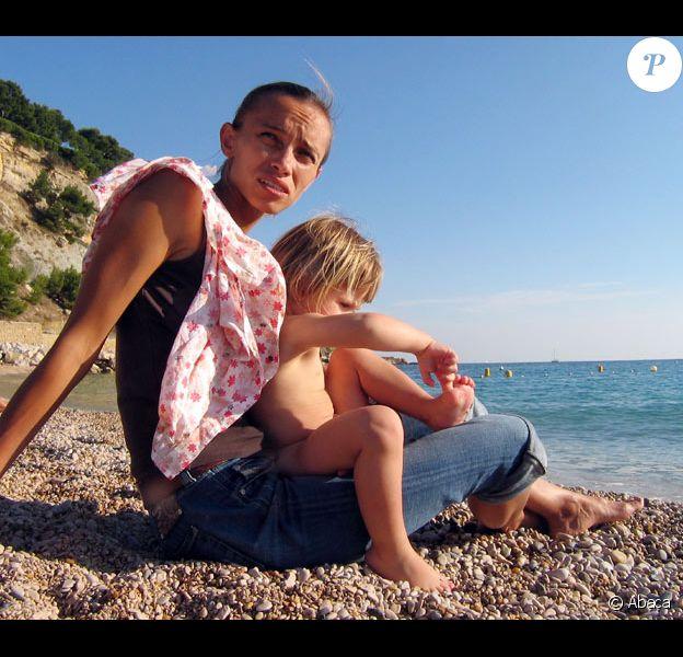 Elise, la petite fille kidnappée le 20 mars 2009 et sa mère Irina Belenkaya