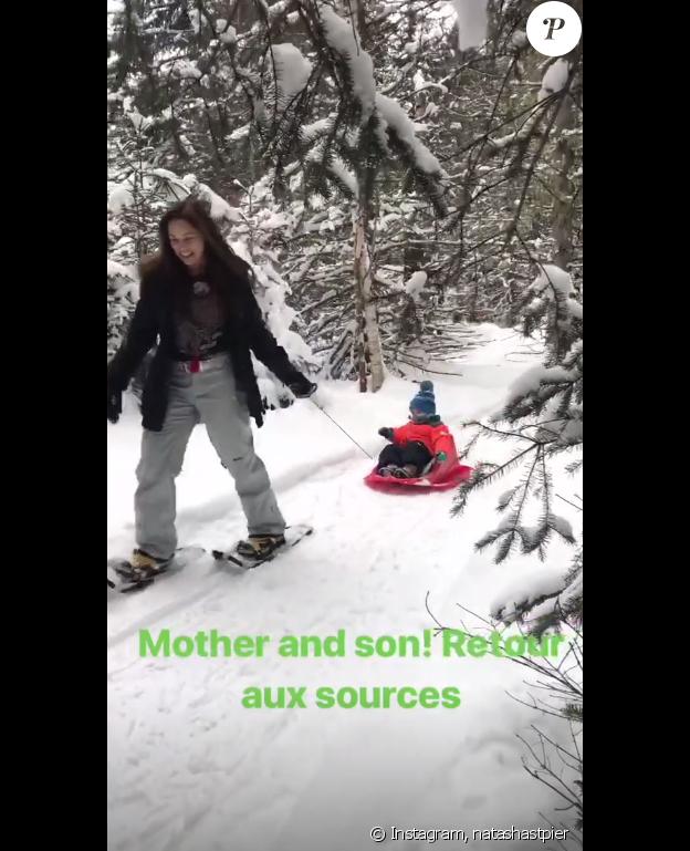 """Natasha-St-Pier, """"retour aux sources"""" avec son fils Bixente sur Instagram, le 6 janvier 2019."""