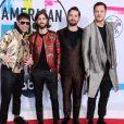 Le groupe Imagine Dragons (Ben McKee, Daniel Wayne Sermon, Daniel Platzman, Dan Reynolds) à la soirée American Music awards 2017 au théâtre Microsoft à Los Angeles, le 19 novembre 2017.