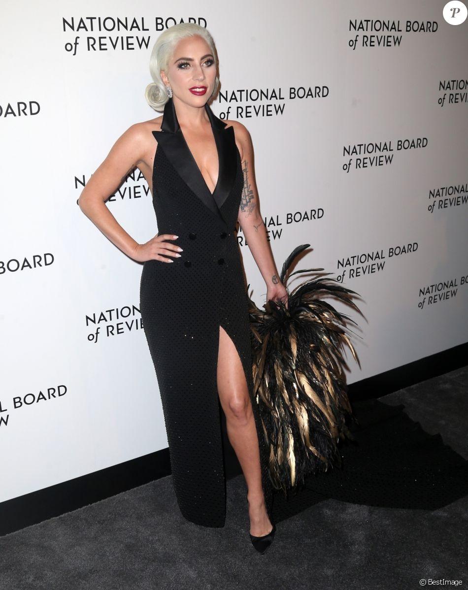 Lady Gaga (Robe Ralph Lauren) à la soirée de gala des National Board of Review of Motion Pictures Awards à la salle de réception Cipriani sur la 42ème rue à New York City, New York, Etats-Unis, le 8 janver 2019.