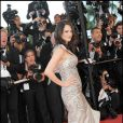 Asia Argento dans une magnique robe signée Roberto Cavalli