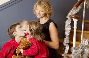 Sylvie Tellier, maman câline avec son fils Roméo (6 mois) :