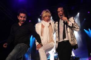 Sharon Stone inaugure le palace le plus luxueux d'Europe avec... une danse folklorique endiablée ! Déchaînée, la Sharon !